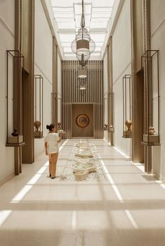 hotel Paris is the capital of love, food, fashion, - hotel Hotel Lobby Design, Hotel Paris, Paris Hotels, Spa Design, House Design, Lobby Interior, Interior Architecture, Modern Interior, Interior Design