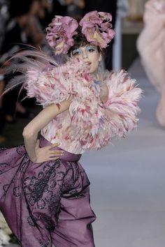 John Galliano for The House of Dior, Autumn/Winter Couture Dior Fashion, Fashion Moda, Fashion Art, Runway Fashion, Fashion Design, Gothic Fashion, Victorian Fashion, Womens Fashion, Dior Haute Couture