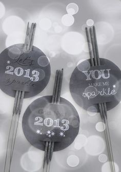 Free printables for the New Year's sparklers - by It's a house Free printables for the New Year's sparklers - by It's a house New Year Diy, Happy New Year, Christmas And New Year, Christmas Diy, Holiday, Diy Silvester, New Years Eve 2017, Homemade Gifts, Diy Gifts