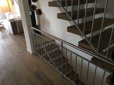 Das Funkeln in den Augen unserer Kunden zu sehen, wenn sie zum ersten Mal ihren neuen Boden betrachten: Immer wieder ein wunderbarer Moment. Unseren Beruf ausüben zu dürfen ist ein grosses Privileg. www.rero-tex.ch Winterthur, Moment, Stairs, Home Decor, Eyes, Stairway, Decoration Home, Staircases, Room Decor