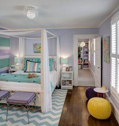 60 идей комнаты для девочки-подростка: цвет, зонирование, аксессуары http://happymodern.ru/komnata-dlya-devochki-podrostka/ Кровать с балдахином в небольшой спальне