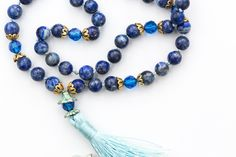 Spiritual Jewelry, Turquoise Bracelet, Jewelry Making, Beaded Bracelets, Jewellery, Beautiful, Suitcase, Jewelery, Jewelry Shop