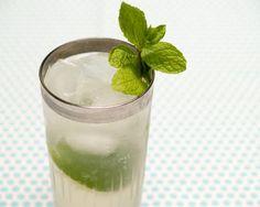 Friday Happy Hour: The Gin Rickey