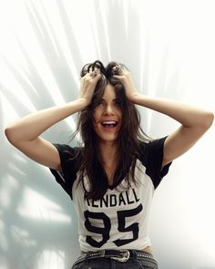"""Kendall: high as fuck """"HEY! MY LIFE IS A MESS EVERYONE. YOU KNOW WHAT MAKES EVERYONE FEEL BETTER DRINKS AND DRUGS"""