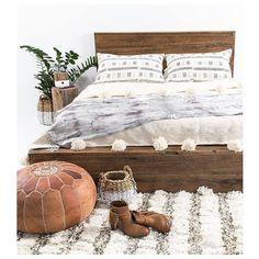 Cozy Boho Bedroom Decor Ideas With Low Bed - Big Bedrooms, Neutral Bedrooms, Shared Bedrooms, Trendy Bedroom, Bunk Rooms, Boho Bedroom Decor, Cozy Bedroom, Bedroom Ideas, Master Bedroom