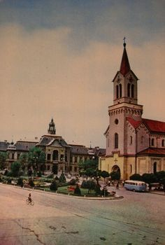 Virtual history of the town of Zrenjanin through old pictures and postcards. Zrenjanin nekada i sada. Old Pictures, Old Photos, Main Square, Old City, Budapest, Notre Dame, Taj Mahal, City Photo, Around The Worlds