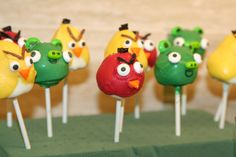 More Angry Bird cake pops