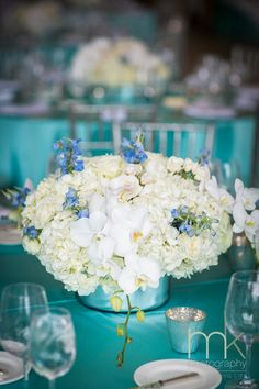 Daily Wedding Flower Ideas. To see more: http://www.modwedding.com/2014/08/19/daily-wedding-flower-ideas-2/ #wedding #weddings #reception #centerpieces Featured Floral Design: Beautiful Blooms, LLC
