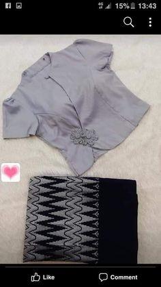 Pattu Saree Blouse Designs, Blouse Designs Silk, Dress Neck Designs, Lehenga Blouse, Blouse Patterns, Traditional Blouse Designs, Myanmar Dress Design, Stylish Blouse Design, Indian Designer Outfits