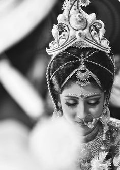 Wonderful! Photo by Vivah Canvas, Kolkata #weddingnet #wedding #india #indian #indianwedding #ceremony #indianweddingoutfits #outfits #backdrops #prewedding #photographer #photography #inspiration #gorgeous #fabulous #beautiful #jewellery #jewels #details #traditions #accessories #lehenga #lehengacholi #choli #lehengawedding #lehengasaree #saree #bridalsaree #weddingsaree #tikka #earrings