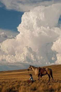 Thunder on the Prairie by Robert Dawson This print shows a huge thunder cloud in the sky above a lone cowgirl taking some time to herself in a grassy prairie Her horse is saddled and just waiting patiently while she contemplates the view Landscape Photos, Landscape Art, Landscape Photography, Nature Photography, Travel Photography, Beautiful Sky, Beautiful Landscapes, Skier, Nature Sauvage