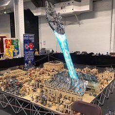Millenium Falcon fleeing Mos Eisley done with Lego Lego Ninjago, Lego Duplo, Lego Moc, Lego Jurassic World, Lego Juniors, Lego Disney, Lego Krieg, Legos, Lego Elves