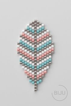 Seed Bead Art, Seed Bead Crafts, Beaded Crafts, Seed Bead Jewelry, Seed Beads, Melty Bead Patterns, Peyote Patterns, Weaving Patterns, Beaded Jewelry Patterns