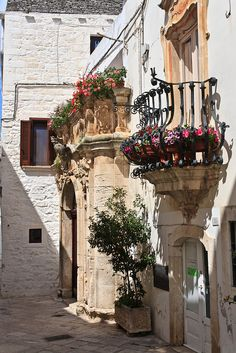 1000 images about puglia basilicata italy on pinterest for Plural of balcony