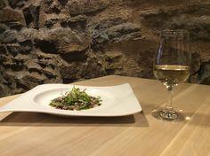 Carpaccio de alcachofa y su vino blanco