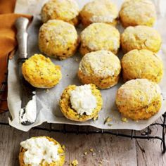 Pumpkin, chia and rosemary scones | Australian Healthy Food Guide Healthy Scones, Savory Scones, Low Sugar Recipes, No Sugar Foods, Baking Recipes, Pumpkin Scones, Savory Snacks, Healthy Snacks, Healthy Pumpkin