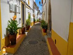 Stroll through the typical streets of Elvas, the biggest fortified city in Portugal and Europe.