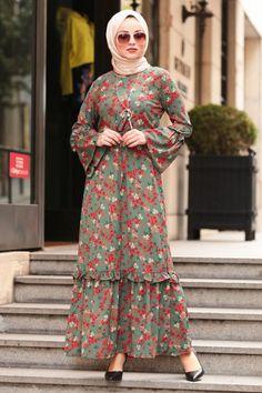 Nayla Collection – Flywheel Sleeve Çağla Green Islamic Dress The clothing culture is very old. Modern Hijab Fashion, Batik Fashion, Abaya Fashion, Abaya Mode, Moslem Fashion, Hijab Style Dress, Hijab Stile, Sleeves Designs For Dresses, Abaya Designs