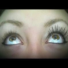 Can't believe this is just mascara and not fake eyelashes! Amazing product  #eyes #lashes #mascara #amazing #makeup
