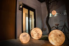 Taiwanese design firm Acorn Studio recently announced a new lighting system that mimics the color and shape of a moon. Luna is a dimmable halogen light housed inside a glass fiber and non-toxic latex housing that comes in 7 different sizes ranging from 3.2″ to 23.6″ in diameter. Learn