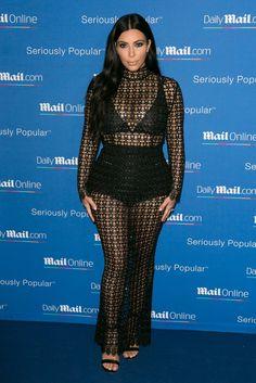 Pin for Later: Heute und damals: So hat sich der Stil der Stars entwickelt Kim Kardashian – heute Egal ob tiefe Ausschnitte oder transparente Materialien: Der Look muss sexy sein!