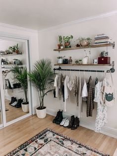 DIY 40 clothing rack - DIY 40 clothing rack Source by philippakolster - Room Ideas Bedroom, Small Room Bedroom, Diy Bedroom Decor, Home Decor, Bohemian Bedroom Decor, Teen Room Decor, Hippy Bedroom, Study Room Decor, Apartment Bedroom Decor