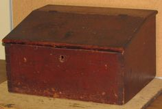 IMPORTANT 19TH C ENFIELD CT SHAKER DESK BOX BEST ORIGINAL BITTERSWEET PAINT FANTASTIC DOVETAILS AN EXTREMELY RARE PIECE OF SHAKER.      Sold  Ebay   580.00