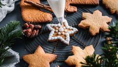 Oppskrift på julens beste pepperkaker | Oppskrift | Meny.no Cookies, Baking, Desserts, Food, Crack Crackers, Tailgate Desserts, Deserts, Biscuits, Bakken