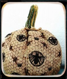 burlap pumpkin / the old white house