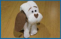 Con fieltro y una toalla realizamos un perrito ideal para tartas de pañales, bautizos, baby showers o para que juegue nuestro bebe (si es para el bebe mejor ...