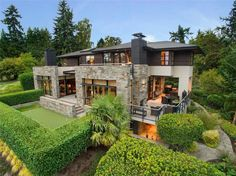 Soulmate24.com Contemporary in Bellevue, #Washington. #mansionhomes #realestate #luxuryhome #mansion #luxuryrealestate… Mens Style