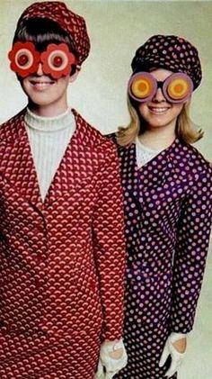 New fashion vintage men ray bans ideas Foto Fashion, 60 Fashion, Fashion History, Womens Fashion, Fashion Stores, Gothic Fashion, Runway Fashion, Trendy Fashion, Fashion Brands