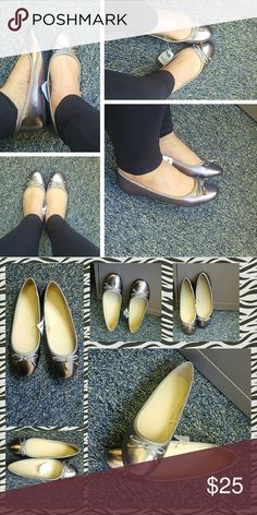 🎉NEW LISTING🎉Metalic ballerina flats size 8 Beautiful metallic flats, color is metallic pewter. Shoe has metallic cap bow accent in front, lightly cushined insole and a no-skid rubber sole. These shoes go with just about anything and the pics dont do them justice😍size 8 NWT Shoes