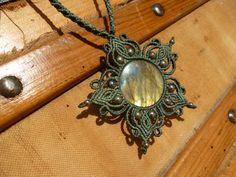 Labradorite Macrame pendant, macrame necklace, macrame gemstone, hippie chic…