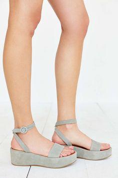 Modern Colorist | A Modern Roundup: Summer Sandals | Paige Platform Sandal