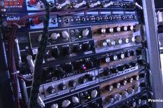 Pedal Board Breakdown - Billy Corgan - Effects Bay Bass Pedals, Billy Corgan, Pedalboard, Gears, Gear Train
