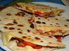 quesadillas :: Ami a konyhámból kikerül Street Food, Bacon, Food Porn, Food And Drink, Pizza, Mexican, Bread, Meals, Cooking
