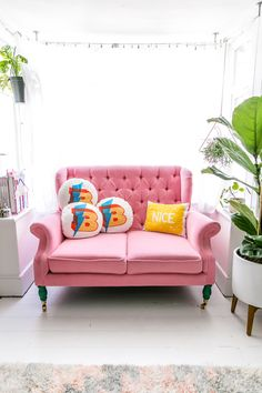 Pink Sofa!! The Colo
