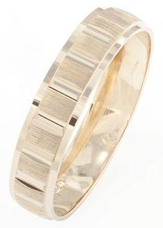 Somos fabricantes de joyería en oro, piezas de alta calidad y buen gusto al mejor precio. Especialistas en Argollas de Matrimonio y Anillos de Compromiso