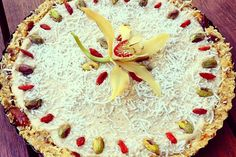 Lemon, coconut, banana and vanilla tart <p>A great introduction to raw dessert. One bite of this and you'll be hooked!</p> (Spiros bd).