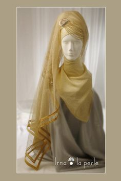 a veil...  (Irna La Perle)