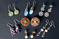 A step by step guide on how to clean earrings. Instructions for fine jewelry with and without gemstones, costume jewelry and using an ultrasonic cleaner.