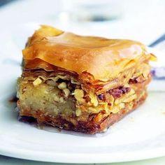 Taverna Opa Recipe for Baklava Greek Baklava, Turkish Baklava, Fun Desserts, Delicious Desserts, Dessert Recipes, Apple Desserts, Yummy Treats, Sweet Treats, My Favorite Food