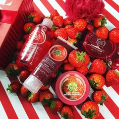 Pick the perfect gift this season with The Body Shop's Strawberry Festive Picks Gift Set. This fabulous 'feel so good' printed box set contains a selection of strawberry-scented goodies. Holiday gifts don't get much sweeter! Includes: Strawberry Shower Gel, Mini Strawberry Body Butter, Strawberry Body Polish, Strawberry Soap, & a Red Mini Bath Lily.  This gift provides one day of safe water for a family in Ethiopia.