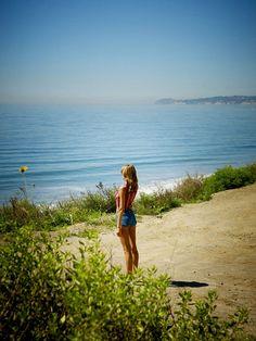 «Небо — это метафора того покоя и ясности, кторые уже есть в вас, прямо сейчас. Пусть небо станет вашим символом любви, свободы и безмятежности. Небо — это то, что вы можете увидеть всегда, хотя бы в окно. Вам не нужно уединение, чтобы успокоиться и помедитировать. Просто посмотрите на небо,» — Тара Дэ, физик
