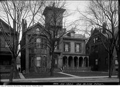 OldTO shows over historical images from the Toronto Archives. Find photos of your apartment, work, or favourite park! Old Photos, Vintage Photos, Historical Images, Mansions, Park, Gta, House Styles, Toronto, Old Pictures