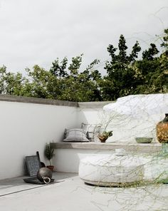 outdoor spaces in white by the style files