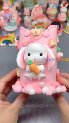 Clay Crafts For Kids, Diy Crafts For Gifts, Creative Crafts, Polymer Clay Projects, Diy Clay, Polymer Clay Kawaii, Fondant Animals, Cake Topper Tutorial, Fondant Cake Toppers