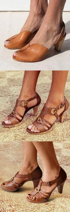 Mensootd is filled with the season's hottest trends, available in all sizes. You can buy the trendy fashion shoes, clothing and bags here. Trendy Sandals, Chunky Sandals, Mode Shoes, Prom Heels, Women Oxford Shoes, Mode Style, Wedding Shoes, Fashion Shoes, Women's Fashion