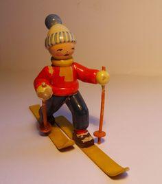 sehr alte Wendt & Kühn W.u.K. Skifahrer Junge auf Ski in Antiquitäten & Kunst, Volkskunst, Erzgebirge | eBay!